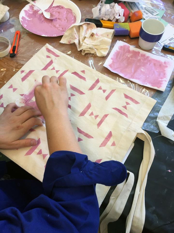 Textielpatronen ontwerpen en stof bedrukken
